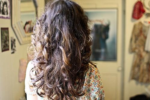 hair curling photo
