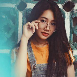 Asian girl weaing glasses