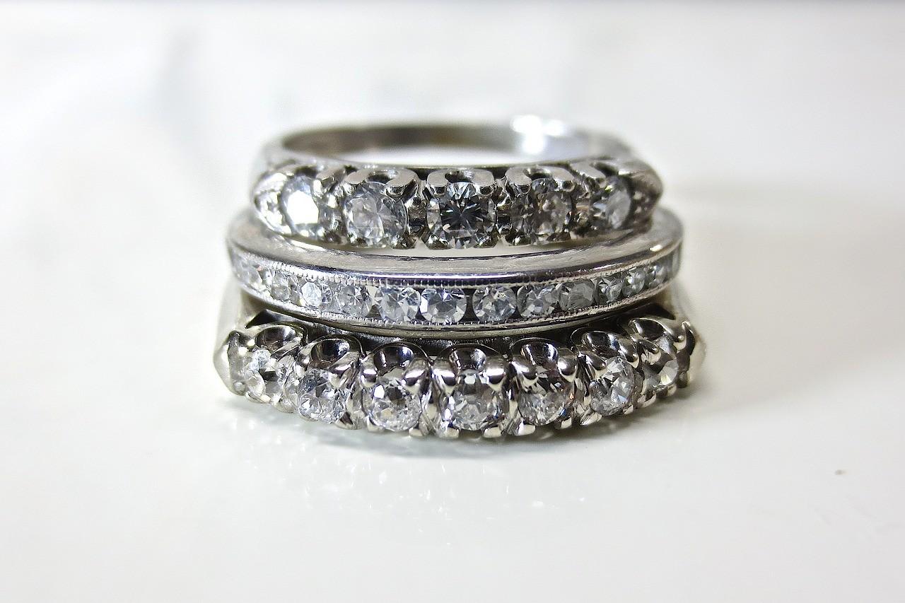 heart jewelry photo