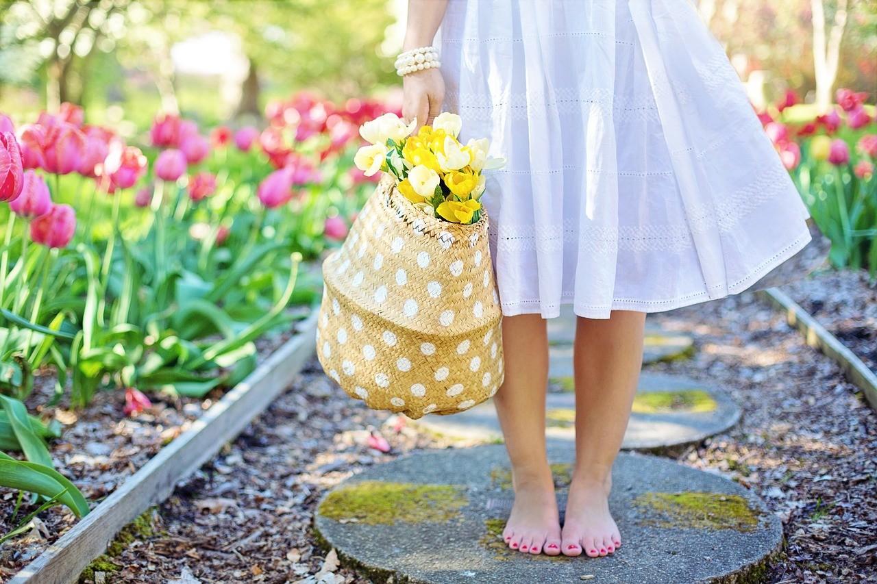 spring fashion woman