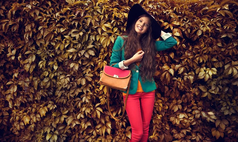 woman wearing fall fashion