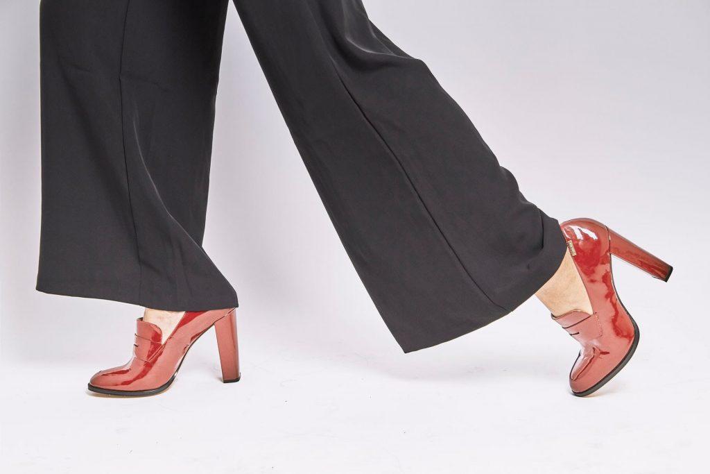 70s flowy pants and chunky heels